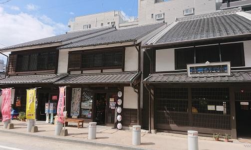 櫛田神社周辺の雰囲気も良い