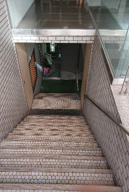 東カン福岡第一ビルの地下